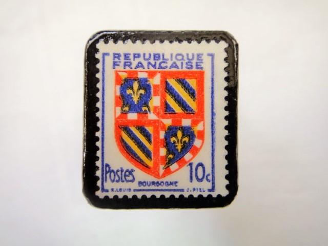 フランス1949年「紋章」切手ブローチ901