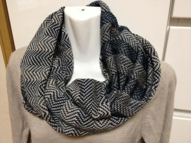 編みこみ柄のスヌード
