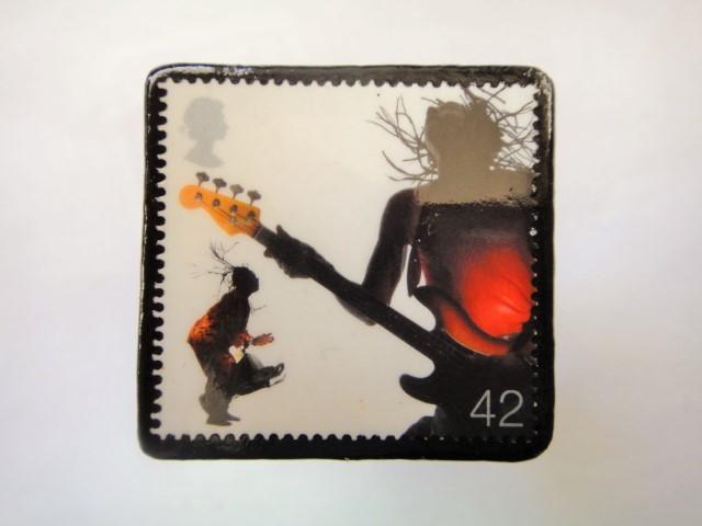 イギリス ミュージシャン切手ブローチ903