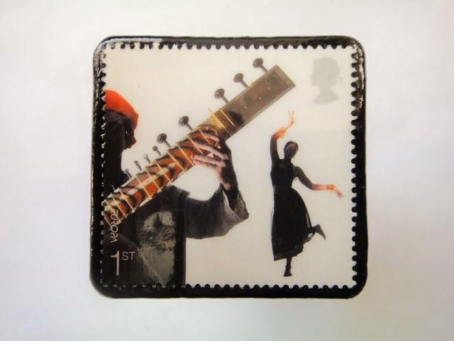 イギリス ミュージシャン切手ブローチ905