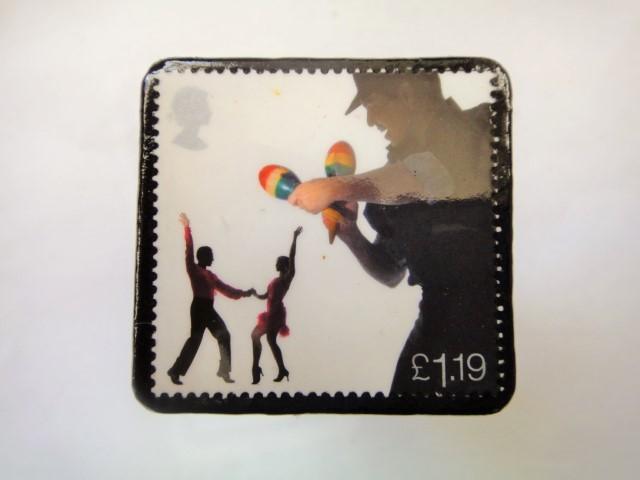 イギリス ミュージシャン切手ブローチ906