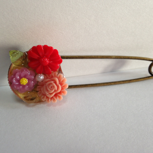 お花のストールピン(ピンク系)