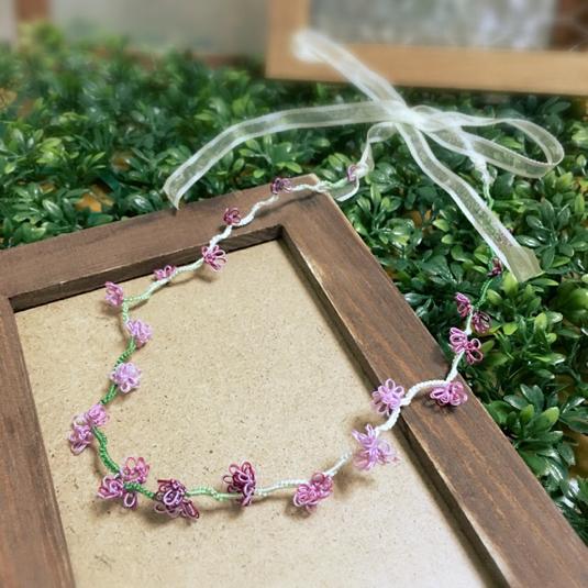 タティングレースのネックレス・チョーカー(シロツメ草の花冠)ピンクパープル