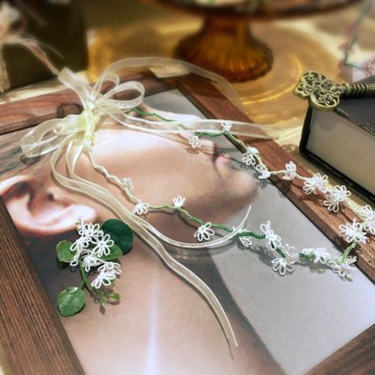 タティングレースのネックレス・チョーカー(シロツメ草の花冠)ホワイト