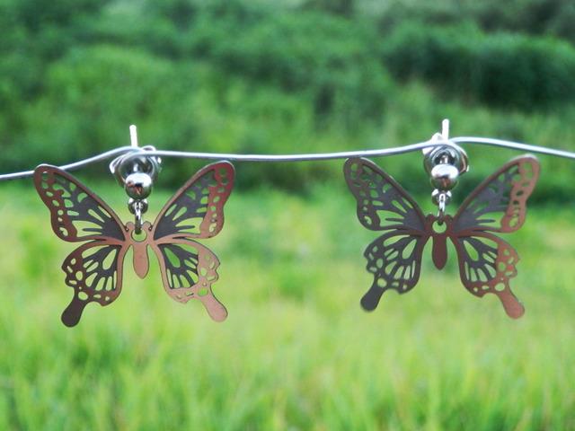 cometman 透かし 蝶(チョウ)の羽のピアスorイヤリング