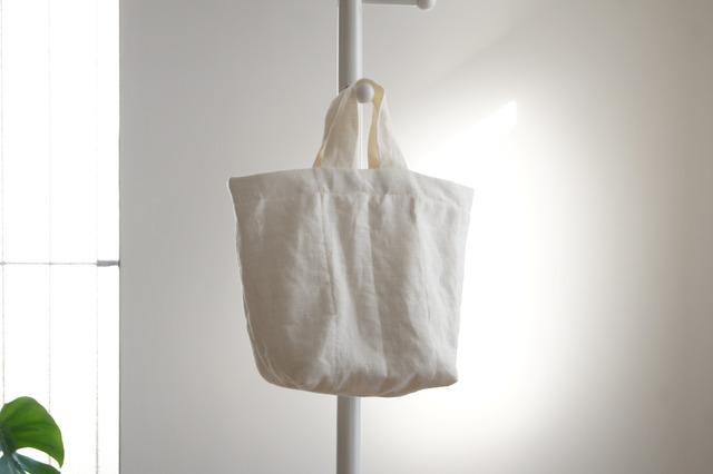リネンのキルティングトートバッグ