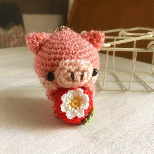 【受注生産】-風水モチーフ- コーラルピンク色・赤イチゴブタさん・ボールチェーン
