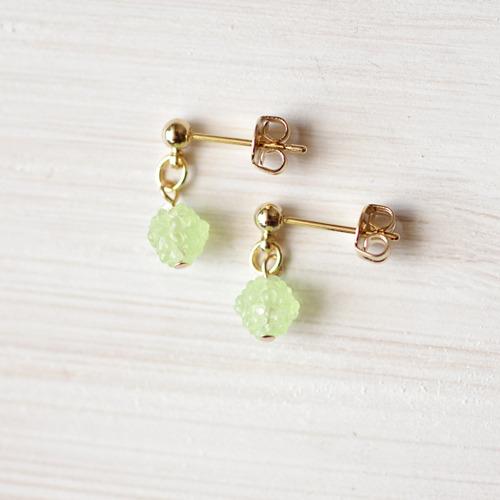 小粒な金平糖ピアス-green-