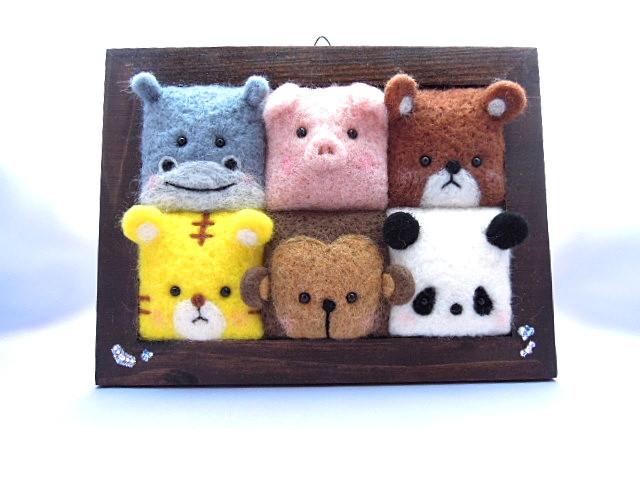 羊毛フェルト 額の中の動物たち