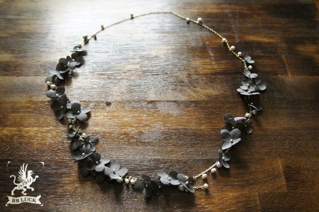 teddy1973さま order made * necklace  【 ちいさな紫陽花と淡水パールのロングネックレス 】