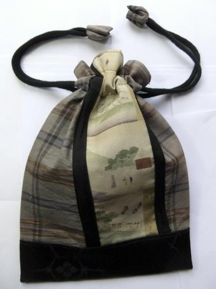 着物リメイク 羽織の裏地で作った巾着袋 1161