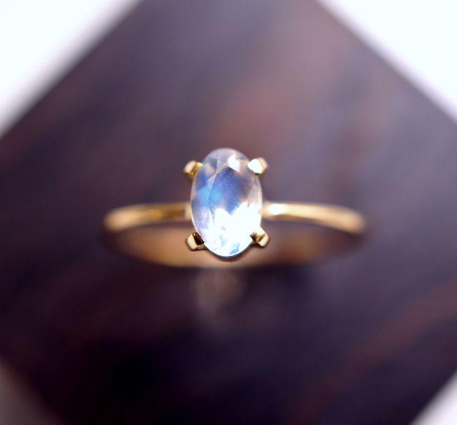 再販】K18ブルームーンストーンのリング 〜Freda