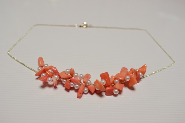 【再々販】華やか珊瑚のネックレス