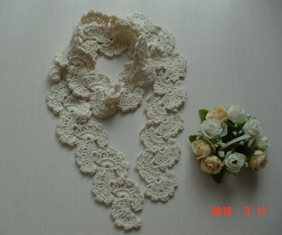 ☆彡シルク&コットンのオフホワイトのクロッシェ模様のラリエット