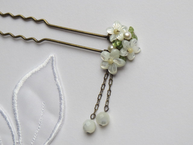 白い花のかんざし