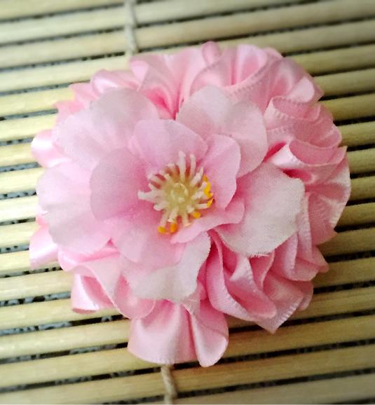 花びらいっぱい桜のバッチ