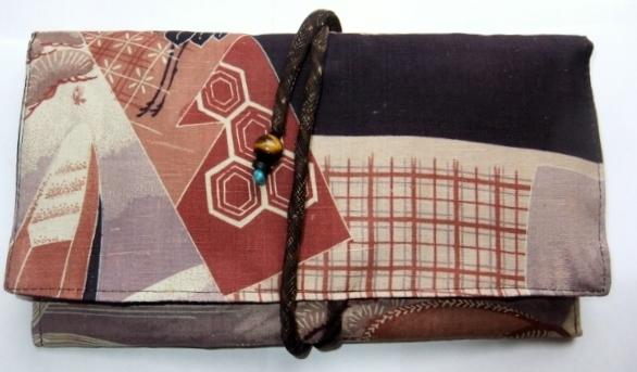 着物リメイク 羽織の裏地で作った和風財布 1187