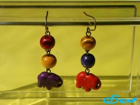 ゾウのピアス(紫・赤)