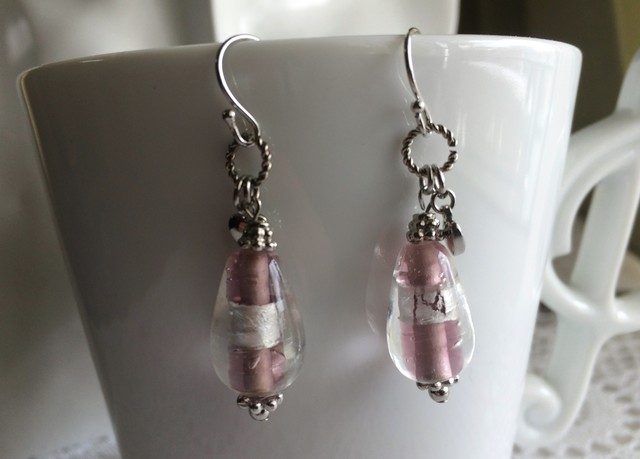 手作りガラス ? ピンクのロマンティックなピアス ?