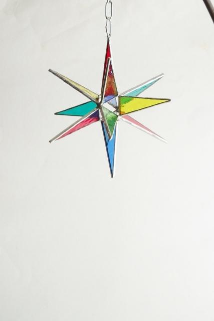 カラフルな星のサンキャッチャー