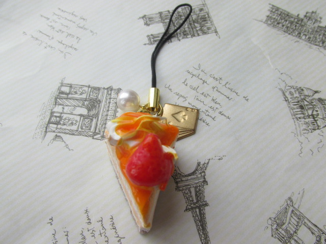 オレンジ・ムース・ケーキのストラップ ミニチュアフード
