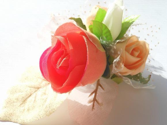 春の祝賀 造花のコサージュ