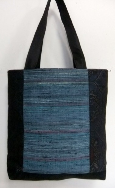 着物リメイク 藍大島紬と手織りの帯で作った手提げ袋 1195