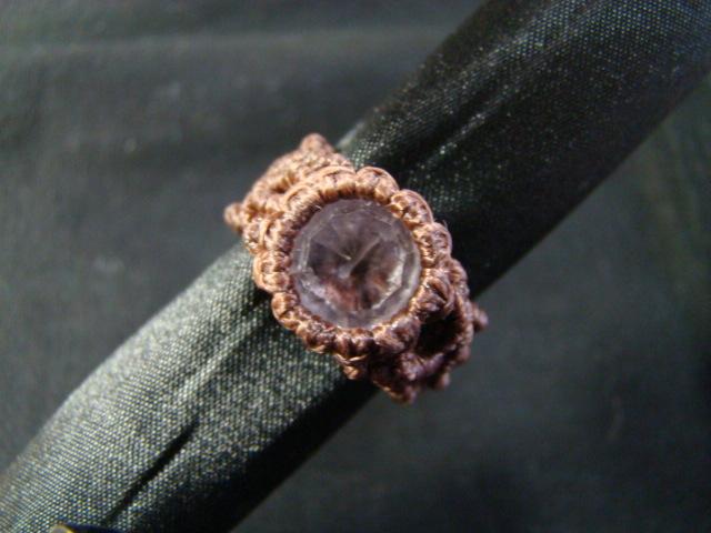ピンクアメシストのマクラメ編み リング