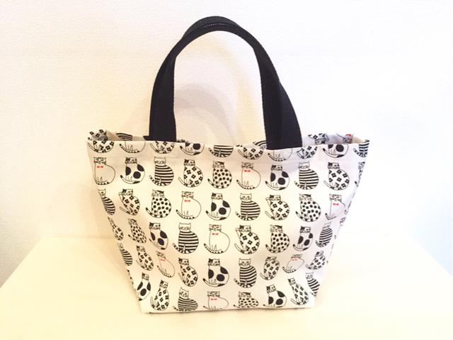 ネコ柄のminiトートバッグ*ホワイト