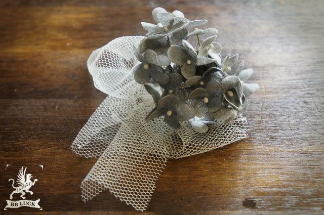 ear cuff 【 ちいさな紫陽花とチュールのイヤーカフ * gray 】