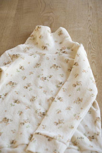 【size120】春待ち*ふわふわタートルネックTシャツ(黄系小花)