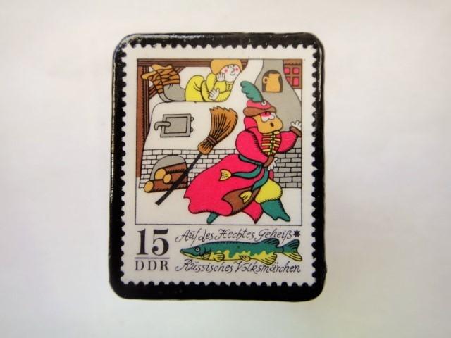 ドイツ 童話切手ブローチ981