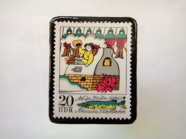 ドイツ 童話切手ブローチ982