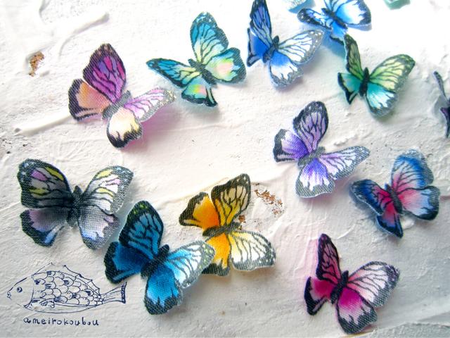 10color 耳元の蝶ピアス(両耳用)