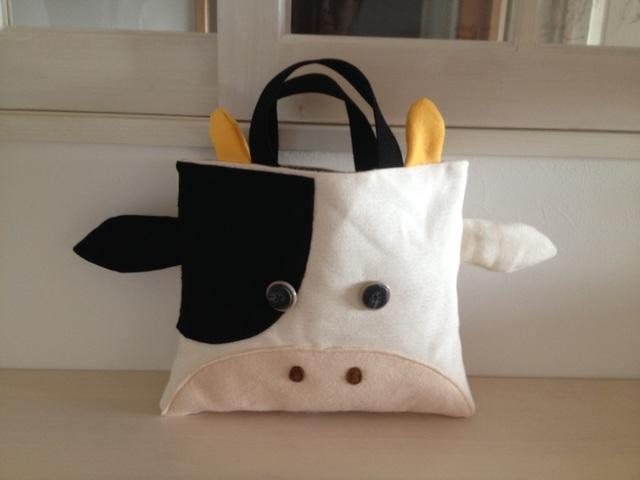 牛さんの絵本バッグ