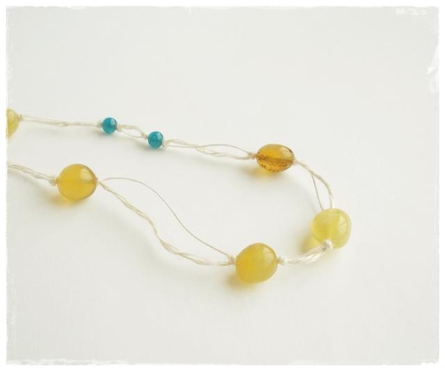 【金属フリー】Yellow+blue necklace