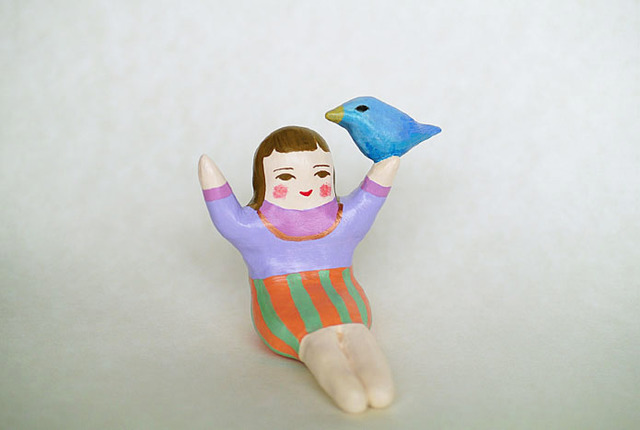 鳥と戯れるひと