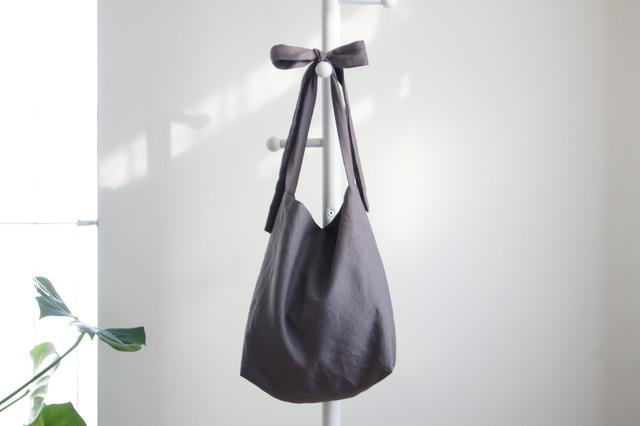 リネン リボンのバッグ(チャコールグレー )