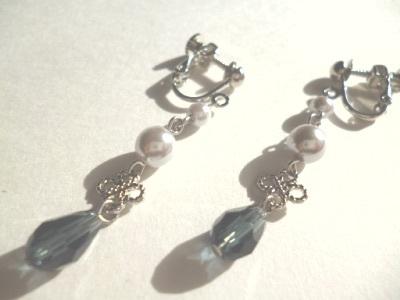 パール・メタルパーツ・カットガラスのイヤリング