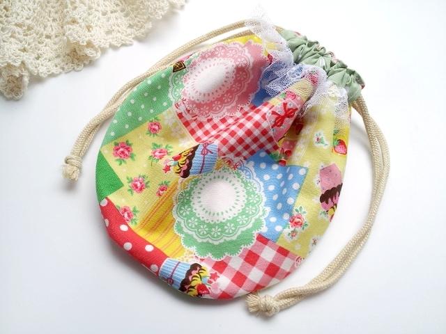 SALE!スイーツ&イチゴ柄の丸い巾着袋