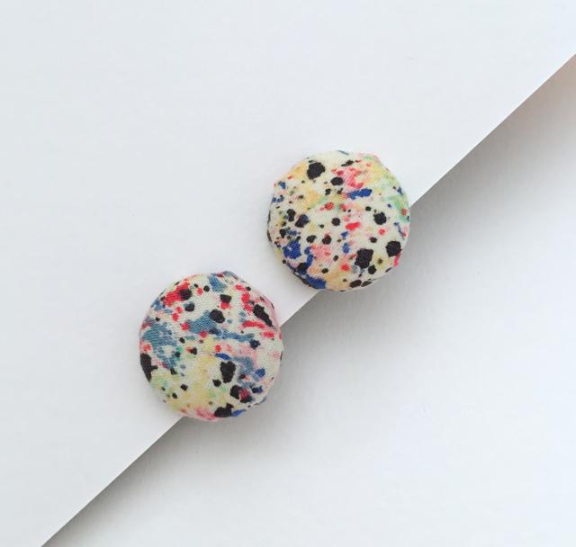 ボタンのイヤリング(幾何学)