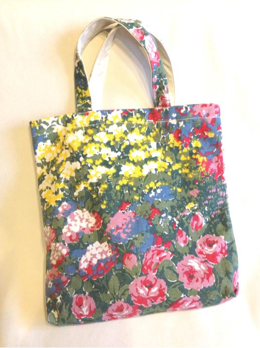 【A】夏のお出かけに♪インパクトある花柄キャンバス帆布バッグ*マザーズバッグ*レッスンバッグ*通勤 通学 入園 入学 お祝い&プレゼント&贈り物にも♪