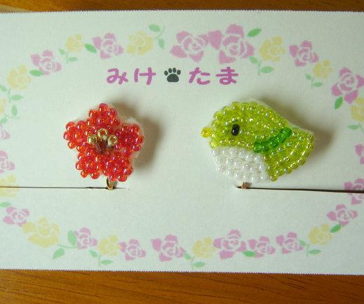 ビーズ刺繍の梅とうぐいすイヤリング