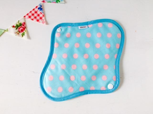 可愛い布ナプキン『ブルー&ピンクドット』昼用Mサイズ