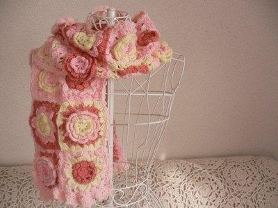 【受注製作】お花モチーフいっぱいの手編みマフラー ピンク系