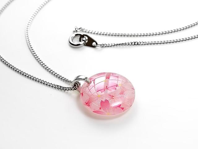 ★ほのかに灯る小粒な桜のネックレスA
