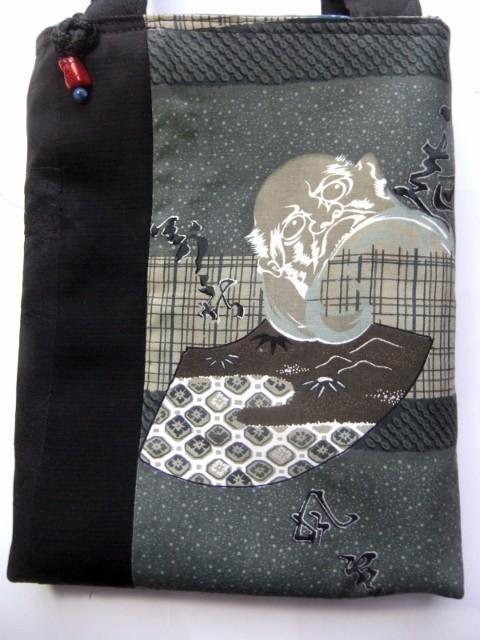 着物リメイク 男性用の羽織の裏で作った手提げ袋  1231