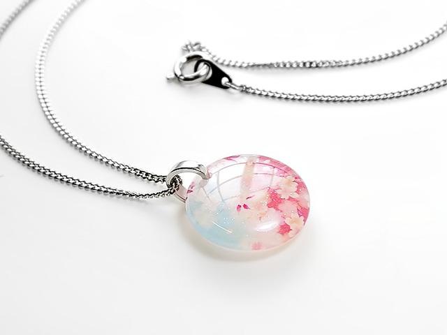 ★ほのかに灯る小粒な桜のネックレスB