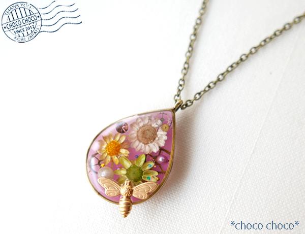 花とみつばち(ピンク) ネックレス
