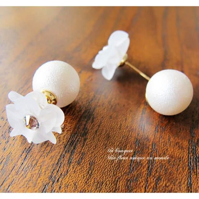 真っ白なお花とパールキャッチのピアスorイヤリング
